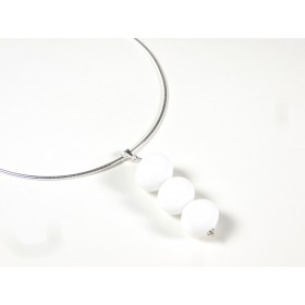 Collier Totem creuses blanc opalin