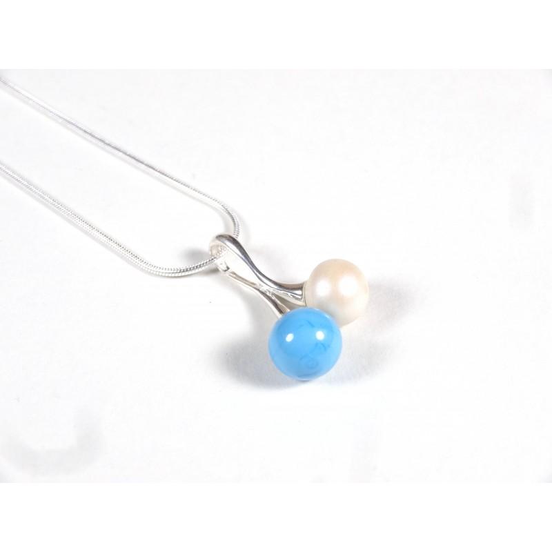Collier Cherry bleu turquoise et ivoire givré