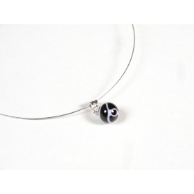 Collier Perline, noir fil blanc