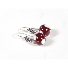 Boucles, rouge cerise pois blancs