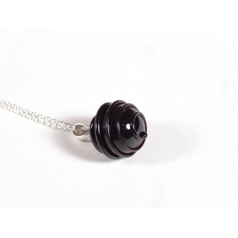 Collier Elégante noir trait relief